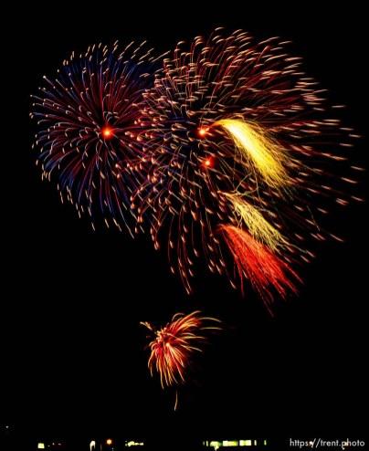 Fireworks over san ramon's city park, july 4, 1987