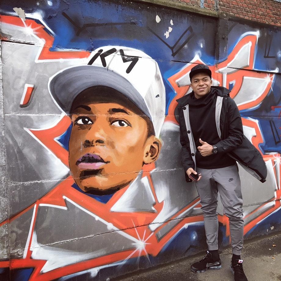Kylian Mbappé Estim Oner graffiti tag Paris Paris Saint-Germain PSG