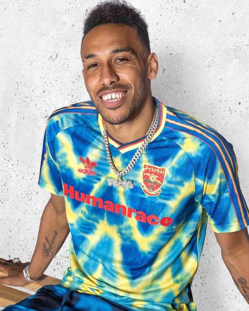 Adidas-Pharrell-Williams-Maillots-Football-Arsenal