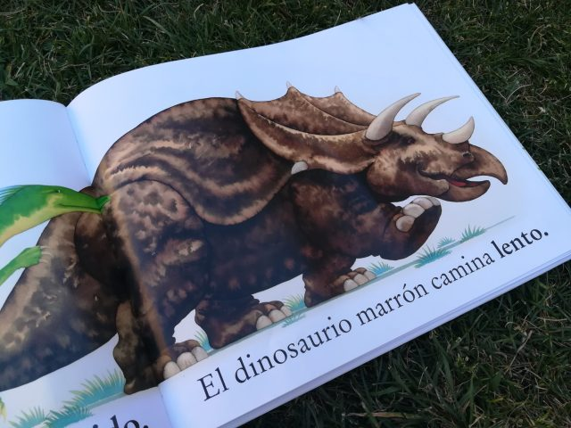 IMG 20180704 180945 - Dinosaurio Roar! Álbum de dinosaurios.