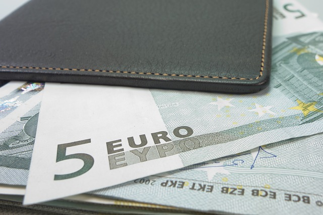 money 494162 640 - 4 métodos de ahorro familiar. Para empezar bien el año!