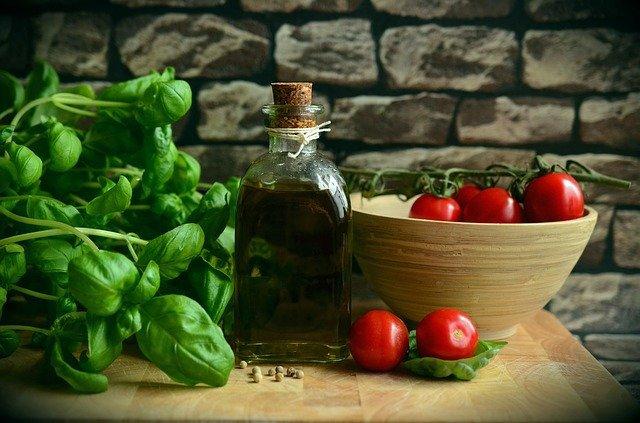 olive oil 1412361 6408079970625135899446 - Dieta cetogénica para niños