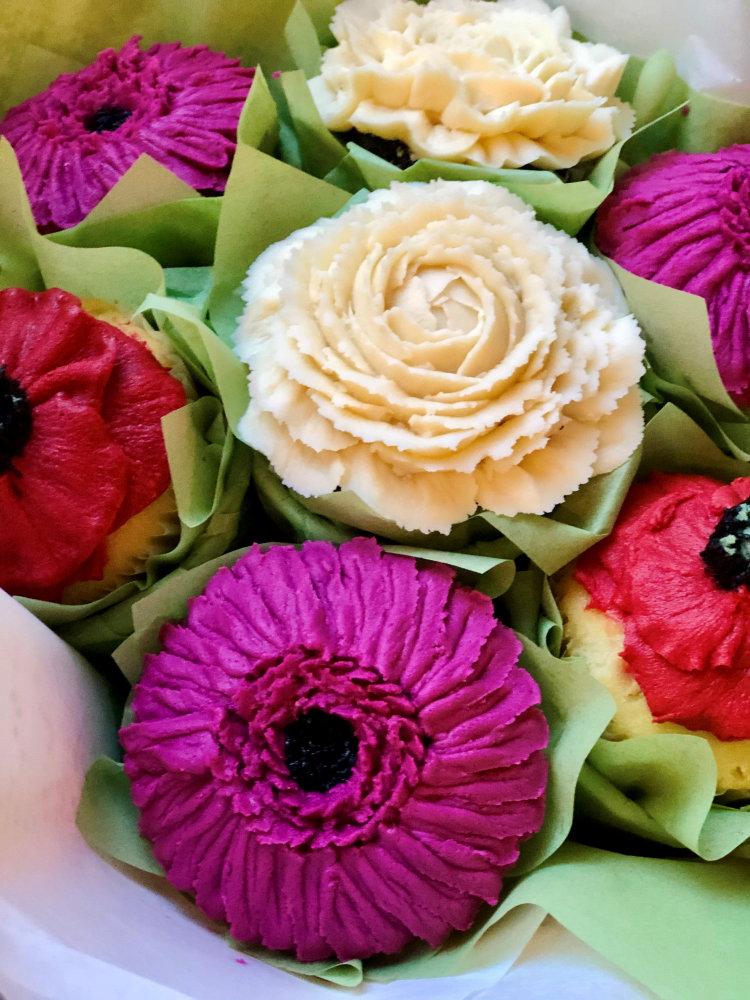 Flower Cupcakes To Order in Philadelphia