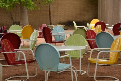 Patio chairs at Comfort Pizza