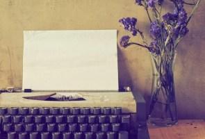 Website copywriting picture of typewriter