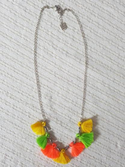 Collier pompons fluo