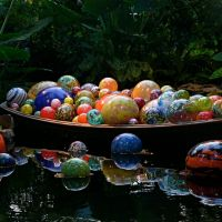 Dale Chihuly ~ Glass Blowing Extrordinaire!