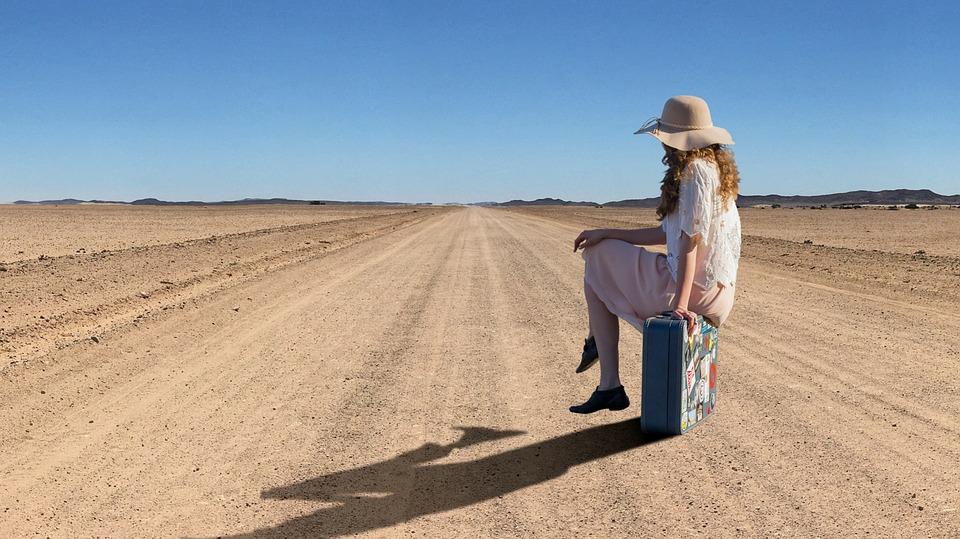 """Come fare la valigia perfetta per le """"mezze stagioni"""""""