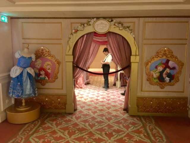 Disney hotel, dormire a Disneyland, viaggio con bambini, trevaligie.