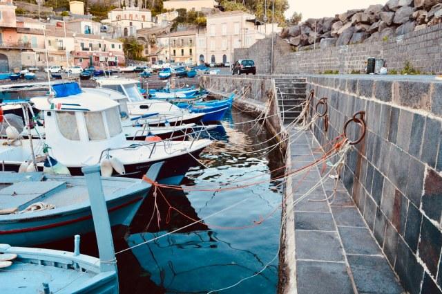 Santa Maria la scala, Sicilia, viaggio in tre road in Sicilia, viaggio con i bambini, trevaligie