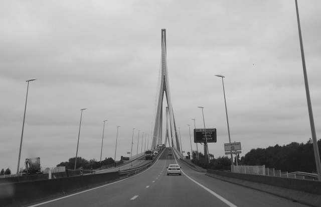 pont du normandie, ponte della normandia, viaggio on the road in francia, trevaligie