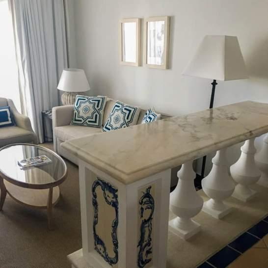 Gli Azuleyos, le tipiche piastrelle portoghesi, sono usate come preziose decorazioni in tutte le stanze del Pine Cliff resort Algarve.