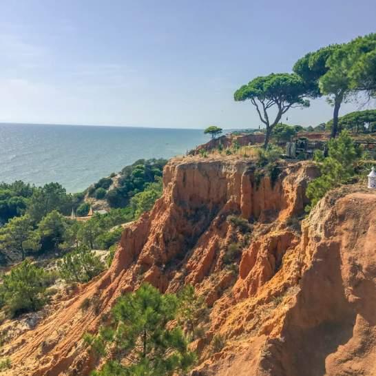 Il Pine Cliff Resort Algarve è situato su una delle falesie più spettacolari del Portogallo.