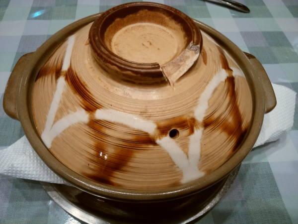 12日 八丈島 夕食の料理 珍しく鍋?