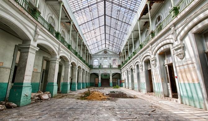 Lycée V - Belgium