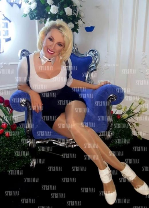 Дупнишката Мадона Сашка Васева смая с нова визия СНИМКА