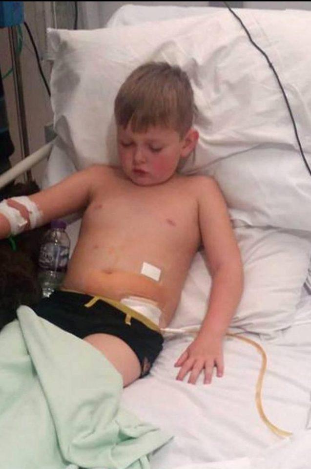 Малкият Кейн едва не умря в страшни болни, защото лекарите си мислеха, че има … запек (СНИМКИ)
