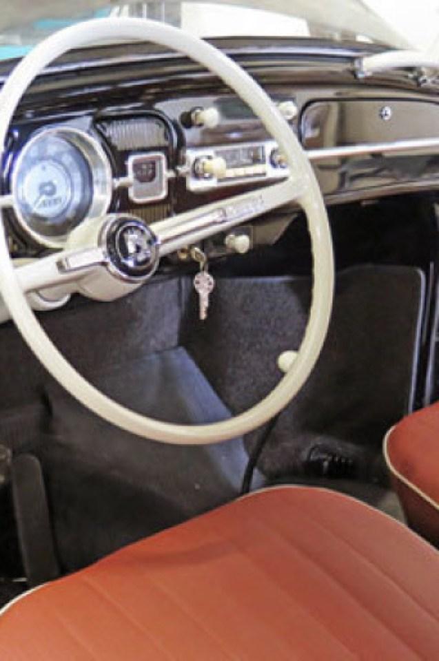 Племенник отворил гаража на чичо си и ахнал - вътре го чакали $1 млн. на четири колела (СНИМКИ)