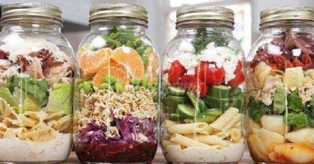 Вечеря за 2 минути: Просто го напълнете и го разпределете по чиниите - по-лесно от това няма накъде!