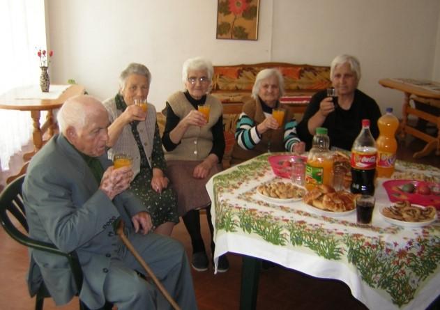 Моята история: Как от златен палат стигнах до старческия дом