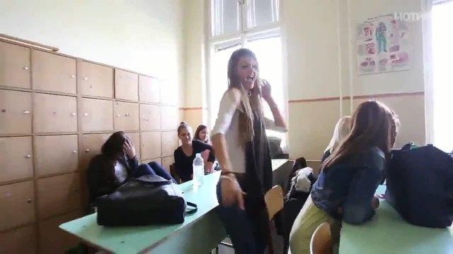 Преподавателка от столична гимназия разказа стряскащи истории и разкри какво се случва с децата ни