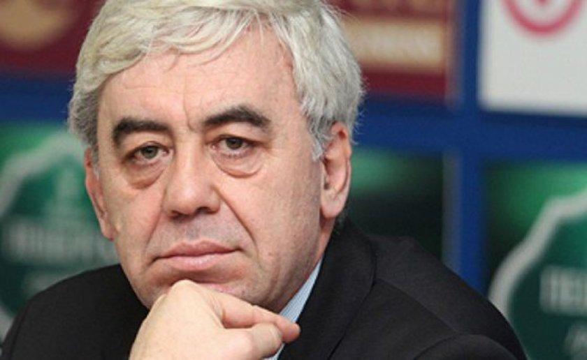 Джок Полфрийман съди България