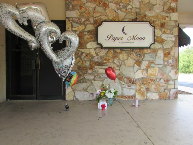 A memorial for Pegues was removed by staff at Paper Moon. (photo by Jordan Green)