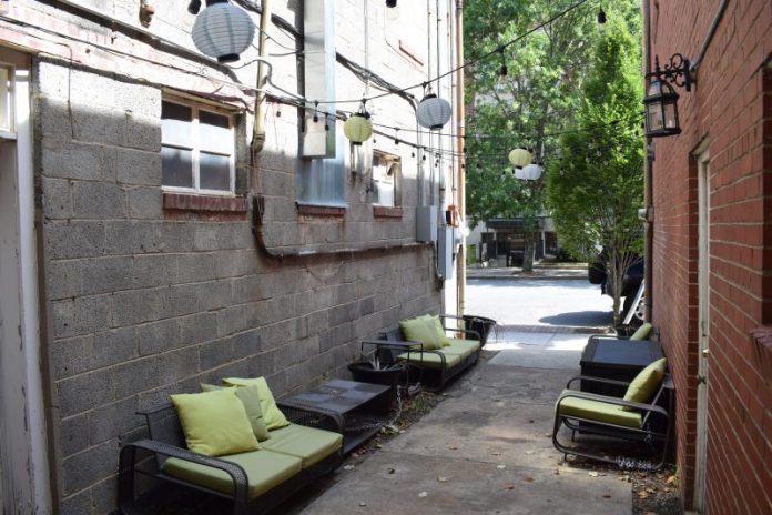 krave-kava-alley