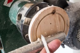 marking rim on front of wooden button