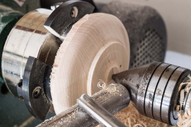 shaping reaar of wooden button
