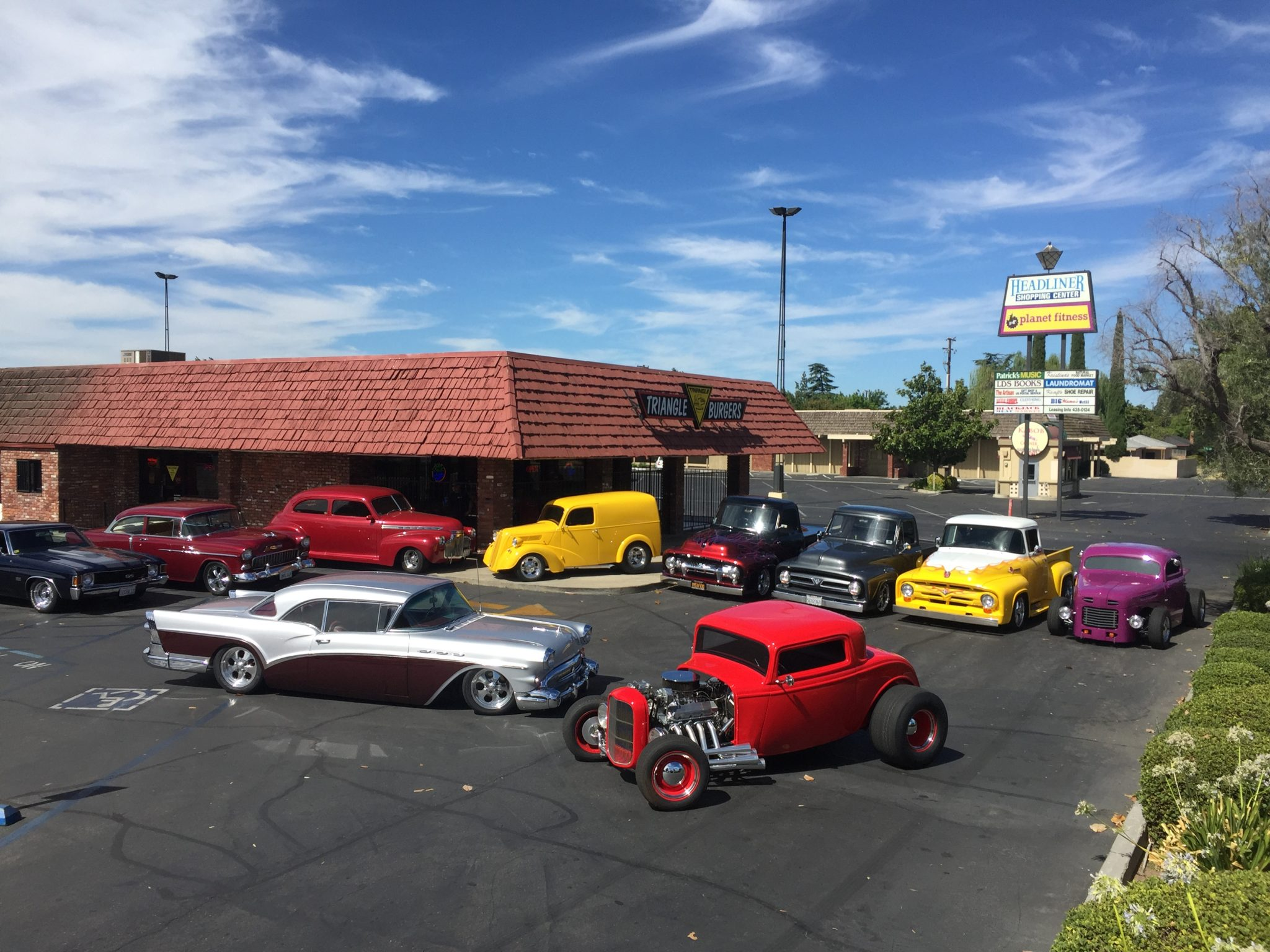 Triangle Drive In - Burgers on Barstow Ave, Fresno CA