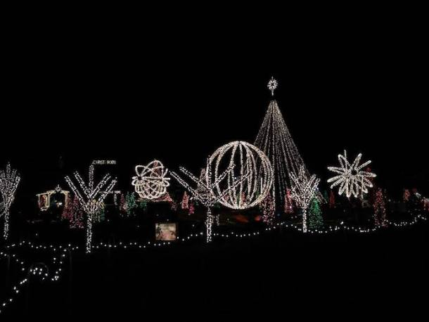 Christmas Lights Raleigh Nc 2020 Best Christmas Light Displays in the Triangle for 2020   with a