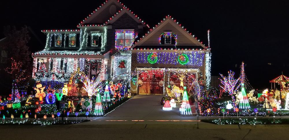 Nc Christmas Lights 2021 Best Christmas Light Displays In The Triangle For 2020 Some Are Still Going Triangle On The Cheap