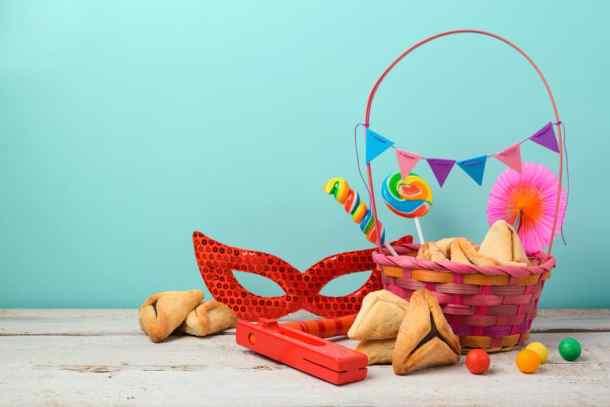 Purim mask hamantaschen, basket