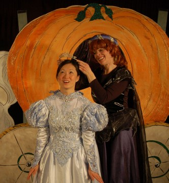 Pushcart Players - A Cinderella Tale....Happily Ever After