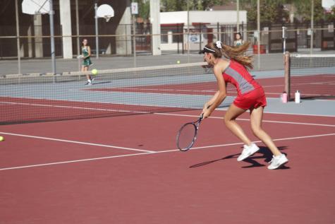 Girls tennis advances to CIF