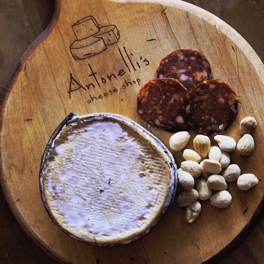 where-to-drink-in-austin-antonellis-cheese-shop
