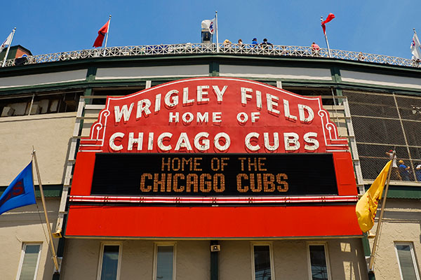 wrigley field chicago cubs travel sports
