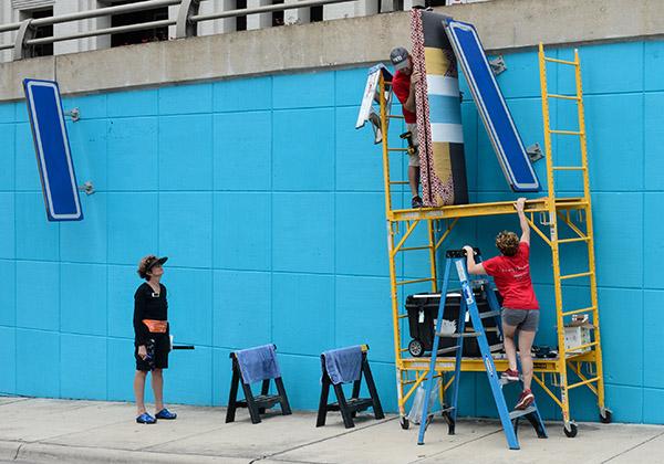 laurie frick lamar boulevard austin mural atx data arts