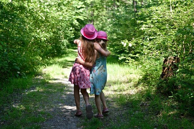 Des liens très forts unissent les enfants