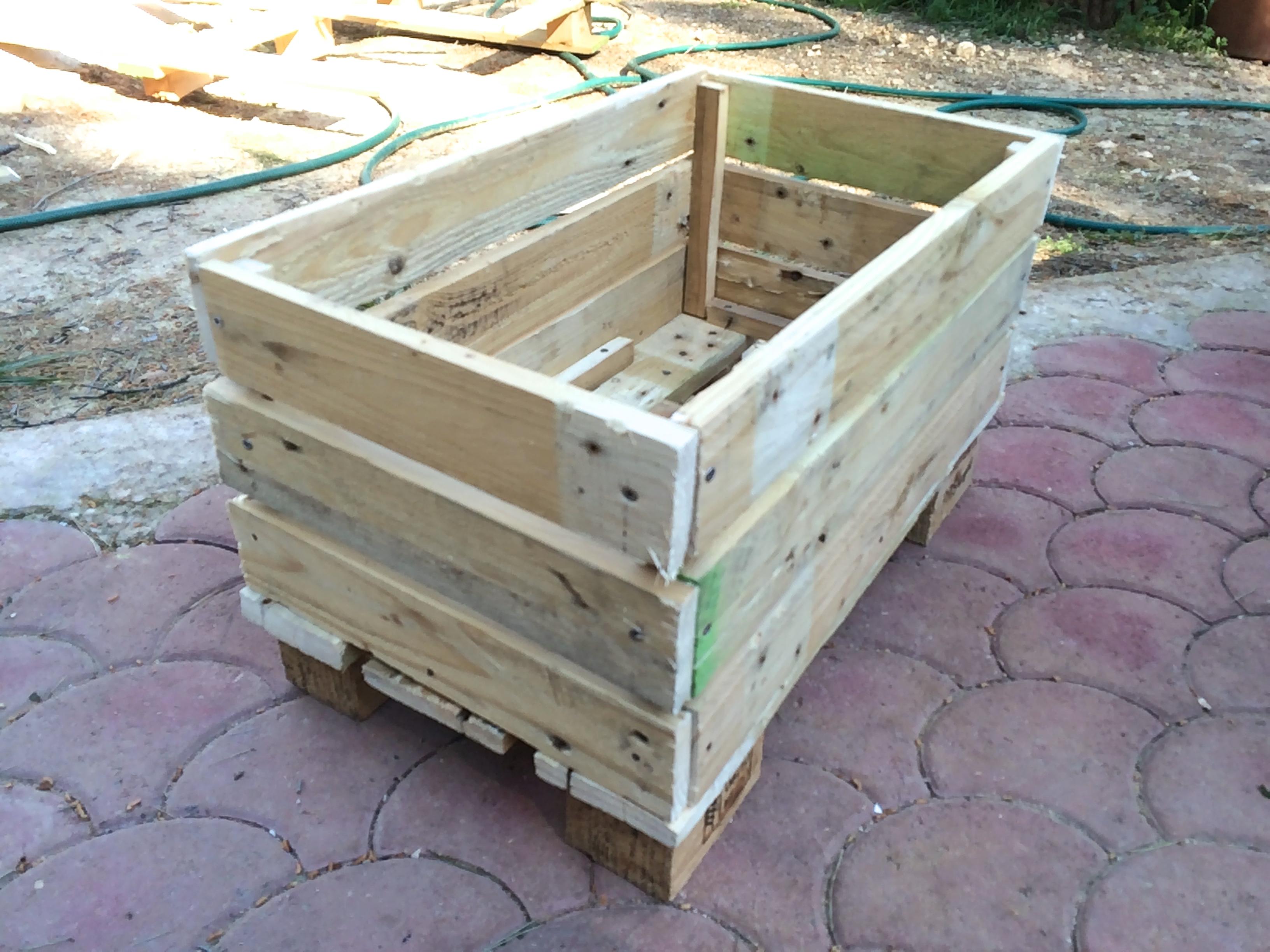 Diy Construire Sa Jardiniere En Palettes Tribulations D