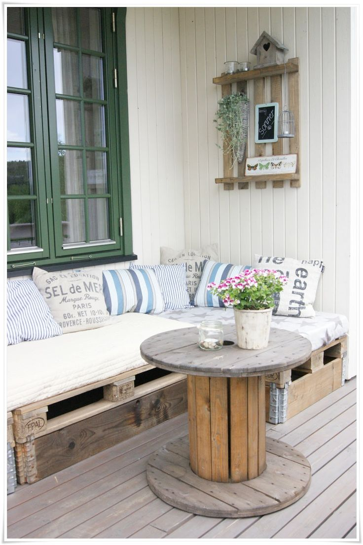 Construire un salon de jardin en palettes