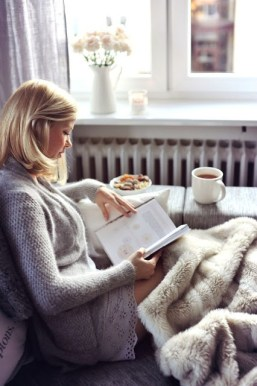cocooning-automne-lecture-canape-deco-maison