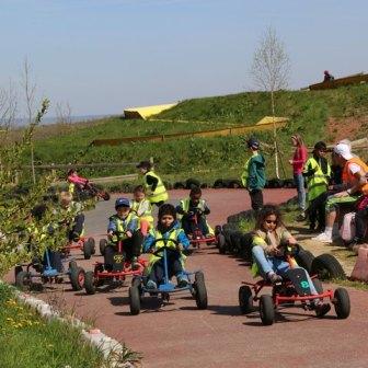 aventureland kart a pedales