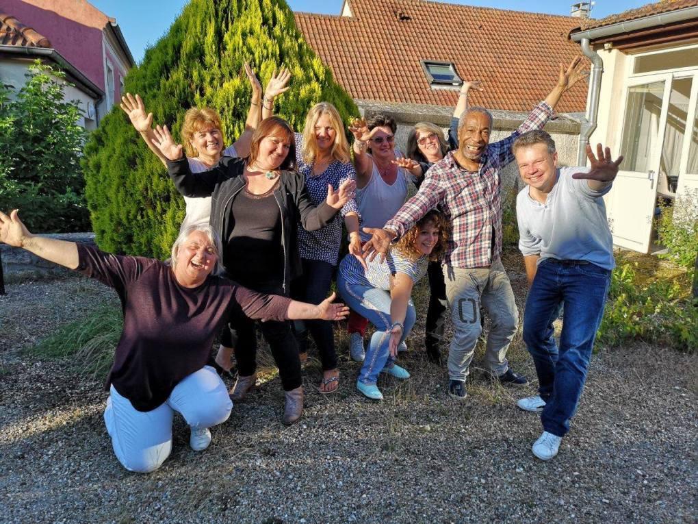 yoga du rire rire club de rire carole fortuna comunissons fontenay