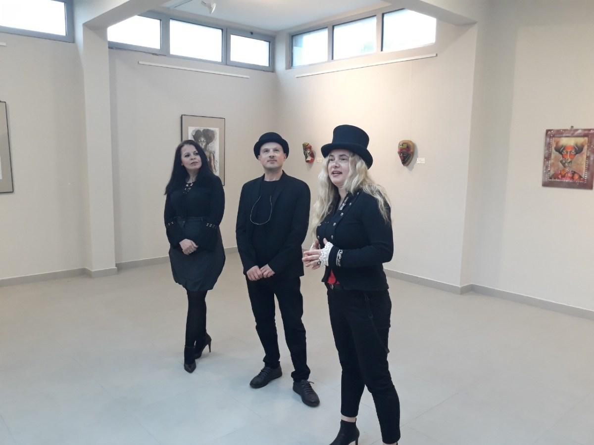 """Изложбата """"Женски муабети"""" на уметничката Гордана Винчиќ дел од """"Европска ноќ на музеите"""""""
