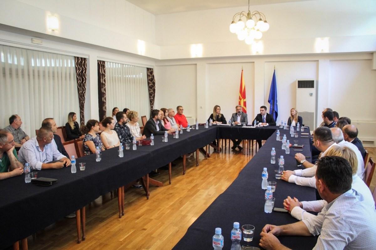Министерот Бектеши им ги врачи на претприемачите решенијата за субвенции