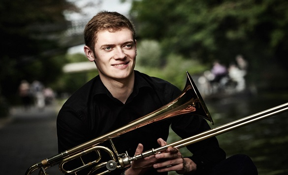 Британскиот тромбонист Питер Мур солист на концертот на Филхармонијата