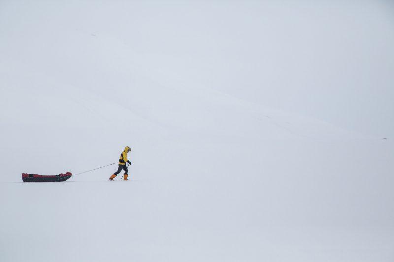 Un bărbat din Oregon devine primul om care traversează Antarctica fără asistență