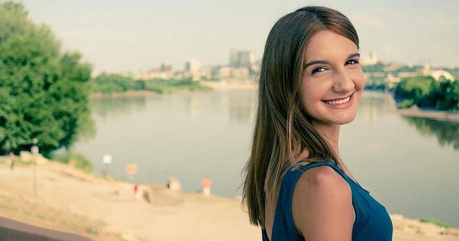 Laura M. Nicolae, studentă la Harvard, al cărui tată a scăpat de comunism, are un mesaj pentru colegii ei